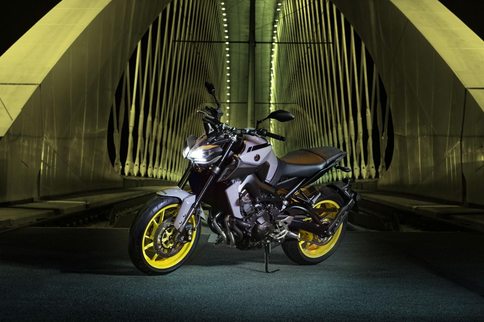 4c942c880c9 La gamme MT de chez Yamaha continue à se relooker !! Après la MT-10 et son  design