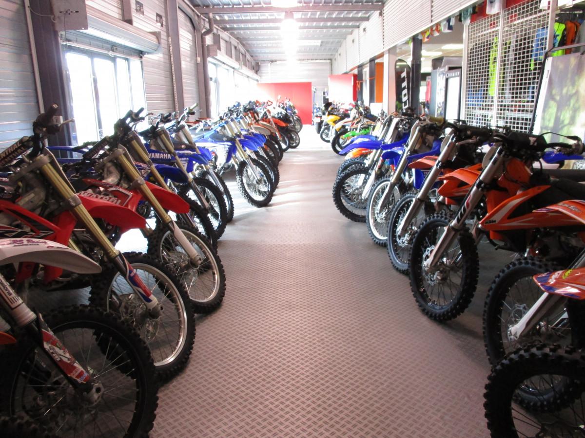 concessionnaire moto